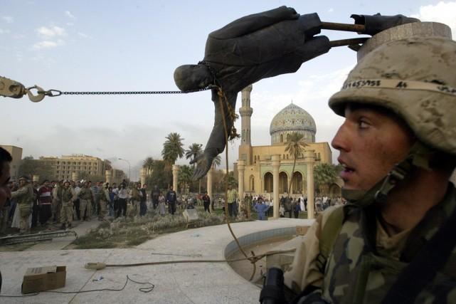 873565-statue-president-irakien-saddam-hussein
